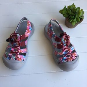 [Keen] Girl's Water Shoes Floral Pool Ocean Cute